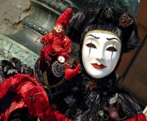 lady-in-red-carnevale